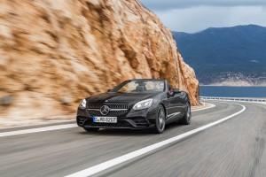 Mercedes-AMG SLC rijdend voorzijde