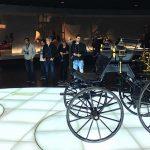 De historie bekijken in het Mercedes-Benz Museum